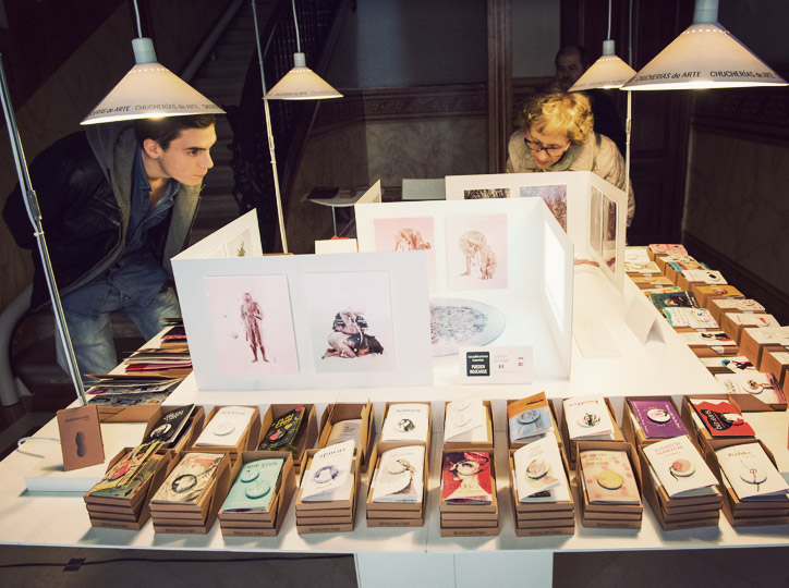 Chucherias de arte al mercat d'editorials