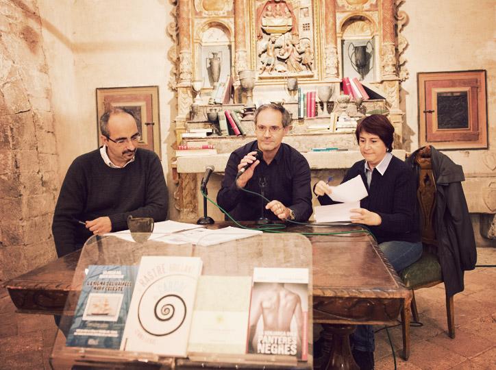 Gemma Liennas i Josep Maria Ibarra parlen amb els joves