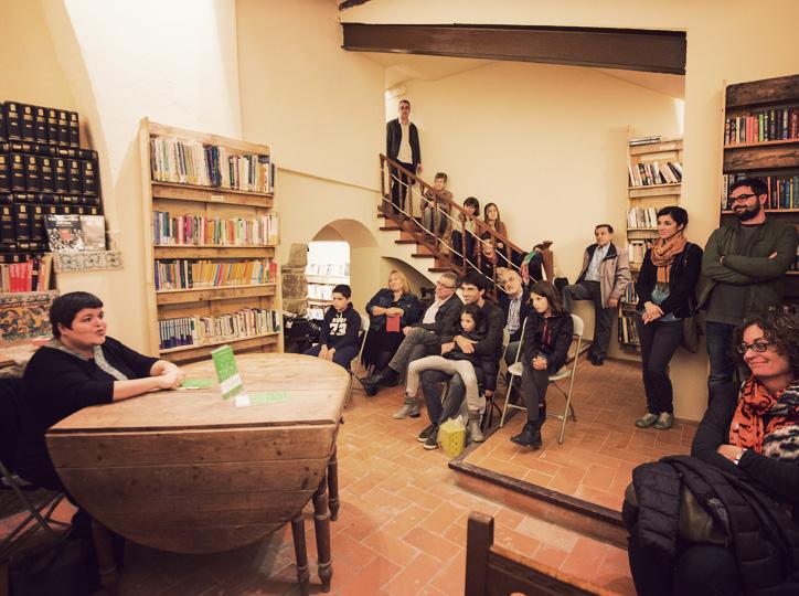 """Presentació de """"Perennia"""" a Els Encants del Llibre"""