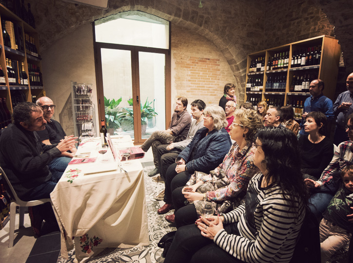 """Presentació de """"Petites històries de banquets"""" a  La Moderna del Carrer Major"""