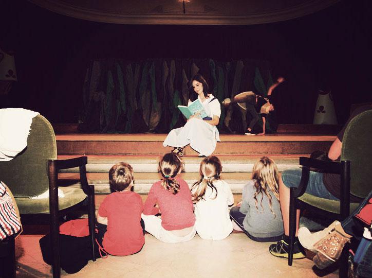 Alícia (Grup de teatre La Caserna)