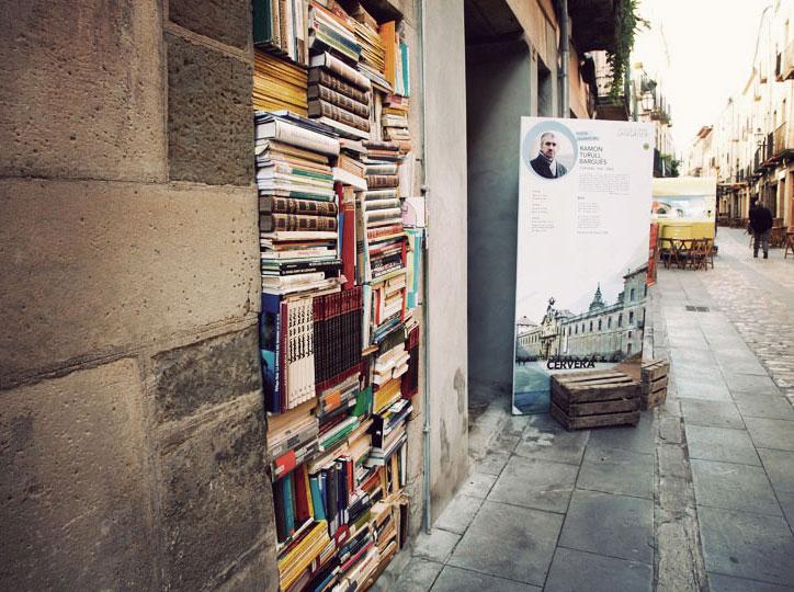 Llibres que omplem el carrer