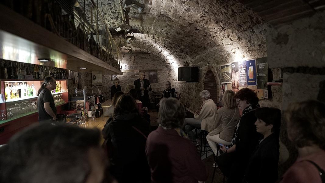 Microliteratura musical a La Cova