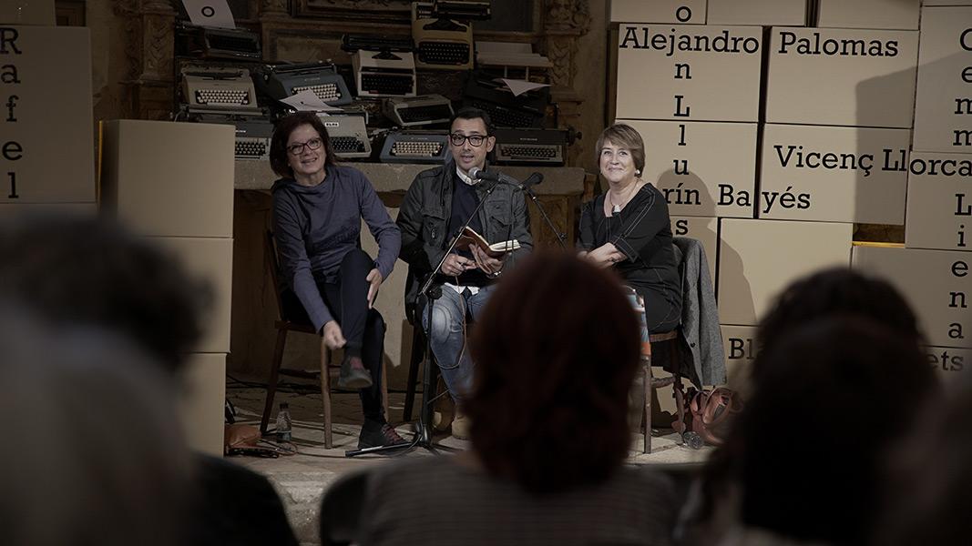 Blanca Busquets i Gemma Lienas amb Eduard Contijoch